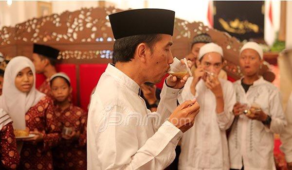 111751_340468_Buka_Puasa_pertama_Jokowi___randy___4