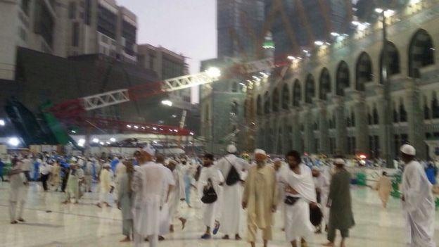 Crane-collapses-in-Mecca4